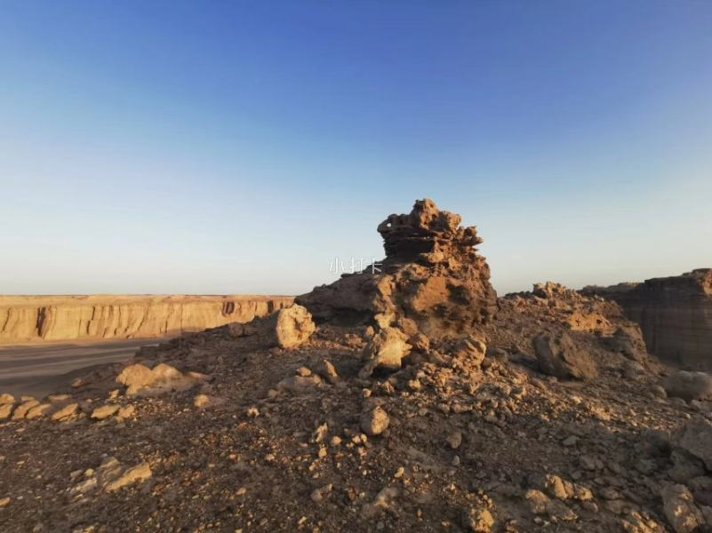 新疆哈密的大海道无人..._手机摄影圈子(龙木良_手机摄影_小打卡